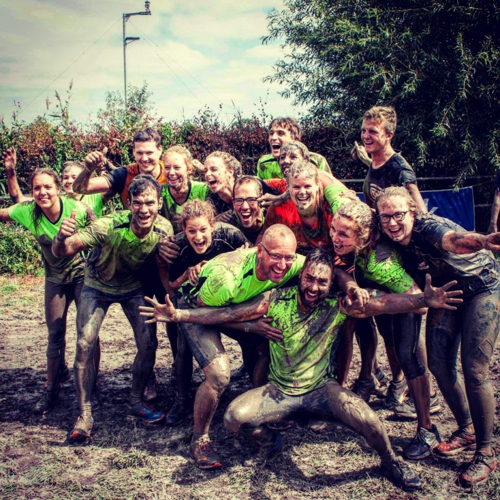 JOE-FIT bootcamp club Oosterhout tijdens mud run in Oisterwijk